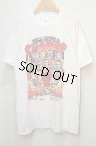 画像1: 90's CHICAGO BULLS プリントTシャツ (1)